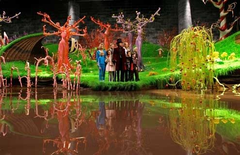 Charlie et la chocolaterie Charlie and the  chocolate factory 2005 Real. : Tim Burton Johnny Depp Jordan Fry Julia WInter Freddie Highmore   COLLECTION CHRISTOPHEL